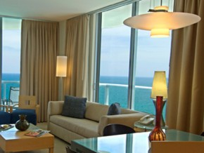 Ocean Front Unit Lifving Room